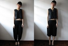 Binnie W - Mum's Cotton Cropped Top, Hare Harem Pants, Novo Singapore Peep Toe Platform Pumps, Vintage Enamel Bangle - Ink