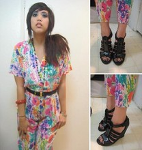 Yuka I. - Rosebowl Flea Market Floral Cotton Onsie, Betsey Johnson Patent Leather Wedges - Wallflower