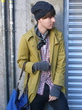 Balázs. Krizsanyik - Japanese Closet Trench, Second Hand Store Checked Vintage Shirt, Burberry Blue Tote - Sunny winter