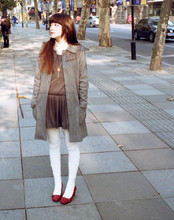 Garrot Lu - White Tights, Gray Coat, Ebase Red Shoes, Ballet Dress - Sunny day