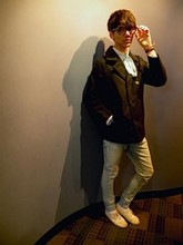Cesar Lemonier - On Trench Coat, Social Collisiom Light Blue Ripped Jeans, None Ribbon Turned Tie, Tillys Clear Rimmed Wayfarer - With experience comes Knowledge