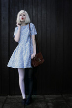 Elin . - Vintage Dress, Vintage Bag, H&M Tights - Two days before christmas