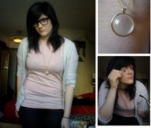 Vanessa Vaillant - American Eagle Black Wash Skinny Jean, American Eagle Monacle Necklace, Sufjan Stevens Say Yes! To Michigan Pin, Glasses, American Apparel Apricot/Grey Heather Mix T, Hollister, About 5 Years Ago Old Soft Cardigan - Five roses
