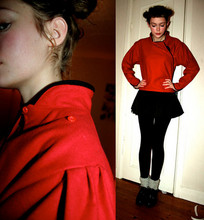 Torunn Splitter - Second Hand Red Jacket, My Sister Had It When She Was A Kid Black Ballerina Skirt, åHléNs Stockings, Grey Wool Socks, Second Hand Black Heels - Circus bombaza