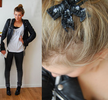 Fanny Wallertz - Weekday New York T Shirt, Gina Tricot Bow, Cheap Monday Jeans - Lucky new york