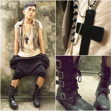 Karl Philip Leuterio - Solo Big Cross Necklace, Solo Buddha Necklace, Japan Buckled Military Boots, Can't Read Chinese Drop Crotch Shorts, 9 A.M. Khaki Vest, Lowry's Farm Drapy Brown Tee - Scary films just make me smile..