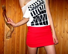 Salla . - Secondhand Skirt, T Shirt - A day without sunshine is like night
