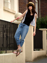 Ricarda Schernus - H&M Jodpur Denim Pants, Topshop Sandals, Topshop Striped Crop Top, H&M Black Vest, Vintage Straw Hat - YOU TALK