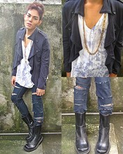 Karl Philip Leuterio - :10 Military Navy Jacket, Topman Diy Ripped Off Skinny Jeans, Stage Of Playlord Black Ranger Boots, Vintage Blade Necklace, Moschino Diy Acid Wash Tee - My birthday...