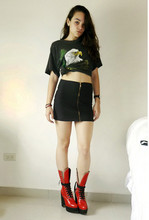 María vogel Morton - Vintage Tshirt, Made It By Myself Black Skirt, Chloé Red Boots - Ay que calor!