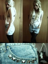 Amanda Caroline Johansen - H&M Thrash Shirt, Diy Old Studded Shorts, Diy Studs - Love is just a buzz just a buzz, you can't catch love