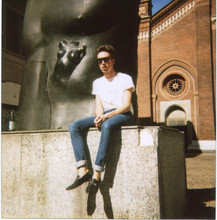 Gregorio ! - Gucci Loafers, April 77 Skinny Jeans, February White Tshirt, Vintage French Sunglasses, Gold Necklace - Time after time