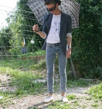 Gregorio ! - April 77 Skinny Jeans, Startas Anchor Shoes, Burberry Black Umbrella, Vintage Black Hat, H&M 80's Sunglasses, February Micheal Jackson And E.T. Tshirt, H&M Grey Jacket, Swatch Once Again Watch - Whos bad
