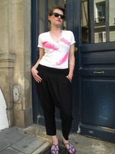 Jnn L - The Beautiful Ones V Neck Tee, Zara Sarouel Pants, Zara Sandals, Flea Market Vintage Bangles - Ambiance parisienne