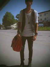 Daniel Hernqvist - Marcalli Shades, H&M Vest, Mtwtfss White Tee, April 77 Black Denim, Red Collar Project Leather Bag, Sthlmdg Leather Boots - Lay where ur laying!