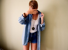 Janina Sparv - Jack & Jones Denim Shirt, Levi's® Jeans Shorts, Indiska Necklace, Indiska Wooden Bracelet - I Fought Piranhas 2