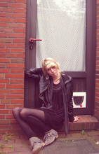 Katze . - Sacha Boots, H&M Dress, Guecca Cardigan, Hannover Leatherjacket, River Island Jewelry - I'm short of sleep