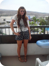 Jade Perry - H&M Baggy Tee, Primark Shorts - Young love    ...<3