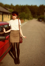 Elin . - Birthday Gift Beret, Vintage Shirt, Vintage Skirt, Topshop Shoes, Vintage Bag - 123