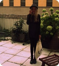 Elsa Bodin - Utö   Bag, H&M The Boots I Wear Every Day..., Bikbok Black Tights, Acne Studios Transparent Tee, Mango Long Cardigan, H&M My Mj Hat - I live in a tiny little garden