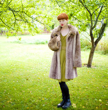 Arvida Byström - Vintage Fake Fur Coat, H&M Dress, Gina Tricot Tights, Shoes - Autumn