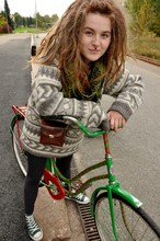 Slåinmejifolie D - Selfcostumized Bike !, Grandpa's Old, Converse Green, Leggings, Old Camera Bag, Scarf Indiska - Hello i love you