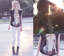 Cocorosa . - Ebay Horse Tee, Jeffrey Campbell Lace Up Boots, H&M White Jeans - And the rainbow said to the horse...