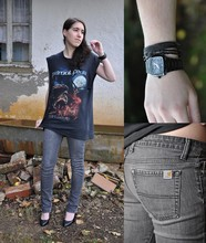 Annika R. - Nixon Watch, Carhartt Jeans, Bandshirt, Bianco High Heels - If you go to hell, you'll be there forever