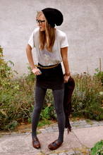 Vera Tjernström - Weekday T Shirt, Old Skirt, H&M Stretch Tights - What are you looking at?