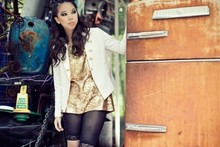 Tiffany Diane . - Maurie And Eve Platinum Tailored Jacket, Maurie And Eve Platinum Gold Sequin Tunic, Taiwan Bicycle Tights - Fashion raccoon