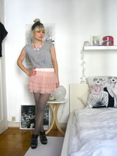 Anna W - H&M Tull Skirt, Zara Shoes, Customized Shirt, A Gift Bow - Ballet doll
