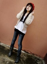 Lia ! - Diy Beret, Planet Girls Sweater, Bebe White Blouse, J Brand Jeans - El.oh.vi.ii !