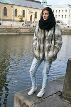 Angelica Sjöstrand - Gina Tricot Scarf, H&M Fake Fur Jacket, Zara Jeans, Converse Sneakers - Fur