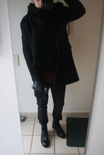 David ****** - Cos Boots, H&M Scarf, Cos Coat, H&M Pullover, Helmut Lang Longsleeve, Daks Glove, Cos Trousers - Start