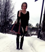 Kine emelie V - Vero Moda Oversized Tee, Hennes & Mauritz Bag, Vero Moda Tights, Roots Shoes - I love my bag