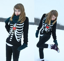 Cranberry Fi - H&M Skeleton<3, H&M Warmies, Diy Lego Heart - Undisclosed desires in my heart