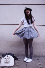 Felicia Hansson - Second Hand Bow, American Apparel Summer T Shirt, American Apparel Full Woven Skirt, American Apparel Tights, Primark Shoes - Come dig right into my heart,