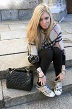 Chiara Ferragni - Chanel Logo Bag, Burberry Trainers, Burberry Poncho, American Apparel Leggings - It was last spring