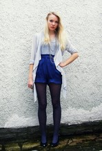 Janine D. - H&M Grey Cardigan, H&M Grey V Neck, Blue High Waisted Shorts, H&M Multirow Necklace, Blue Spot Tights, Blue Leather Low Heels - Mister blue, you did it right.