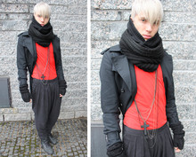 Ragnar Orav - H&M Harem Pants, Reebok Sneakers, H&M Scarf 1, Asos Scarf 2, Tiger Of Sweden Jacket, Mtwtfss Shirt, From Bangkok Jewellery, H&M Fingerless Gloves - In for da kill->