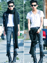 Mc kenneth Licon - Ray Ban Rayban Wayfarers, H&M Thick Knit Scarf, Zara Gray Slim Girls Trousers, Combat Boots - Pompadour