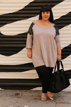 Stephanie - BigBeauty Zwicky - H&M Tunic, Erotokritos For Andre Shoes, Sacs Mary Bag - + L.A.  Fashion District +