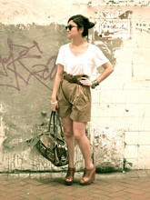 Gaby Muñoz - Club Monaco Blouse, Zara High Waisted Shorts, Zara Wedges, Coach Bleeker St. Limited Edition, Massimo Dutti Gold Bracelets, Ray Ban Clubmaster - Ridin' solo