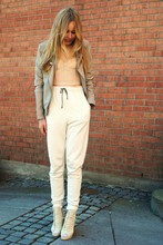 Frida Johnson - H&M Pants - COMFORTABLE? HELL YEAH!