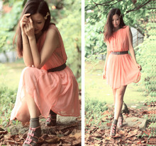 Mayo Wo - Ulgii Coral Sheer Dress, Vanity Beauty Quadruple Bow Dusty Pink Heels - Coral & quadruple bow