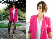 DiLay Kemer - Forever New Blazer, Zara Shirt, Ray Ban Rayban Wayfarer, Leggings, Aldo Shoes - Think pink