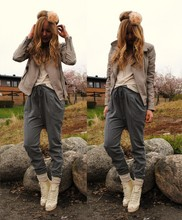 Frida Johnson - Gina Tricot Pants, Shoes, Topshop Flower - SHADES OF GREY