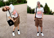 Teemu Bling - Weekday Shorts, Famous Forever Vintage Looking T Shirt, Weekday Vintage Belt, Race Marine Shoes, Weekday Black Vintage Bag - Get crazy, let's go