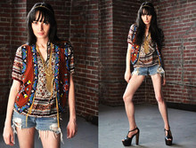 Michelle Bobe - Vintage 1970s Gauze Ethnic India Top, Hairston Robinson Ropa 1980's Beaded Vest, Vintage Headpiece, Gap Diy Destroyed Shorts, Jessica Simpson Platforms, Vintage Gold Tone Necklace - Exposition Americana