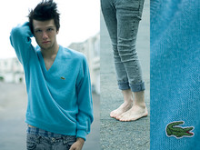 Case Sandberg - Lacoste Sweater, Fruit Of The Loom, Cheap Monday - Blue; the most human color.